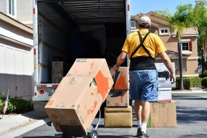 The Benefits of Using a Removals Company